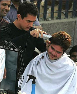 Aamir khan cutting hairs