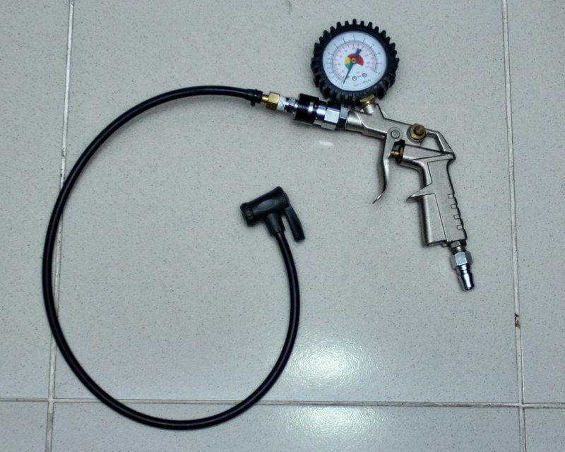 Gowes-aH: Bengkel Sepeda: Modifikasi Pengisi Angin untuk