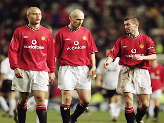 0a5843aaf This is Manchester United  home jersey for seasons 2000-2001 and 2001-2002.  This jersey is their first year undersponsorship from Vodafone