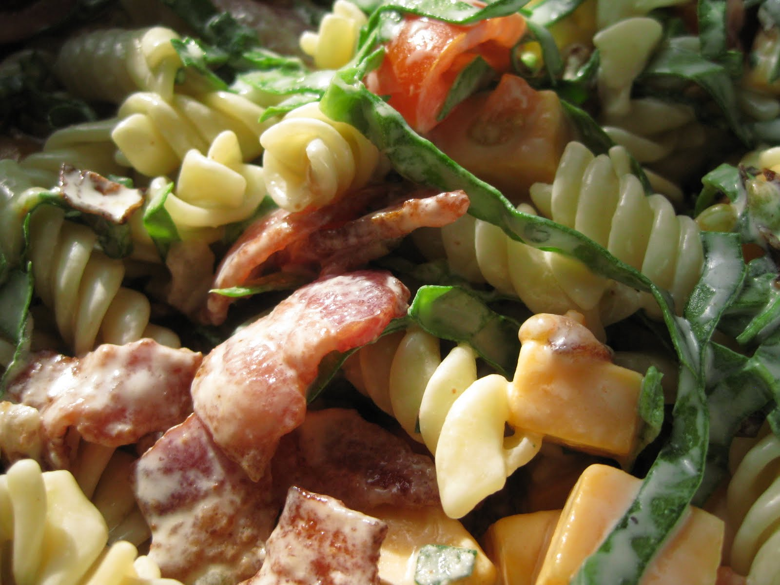 Andrea The Kitchen Witch: BLT pasta salad