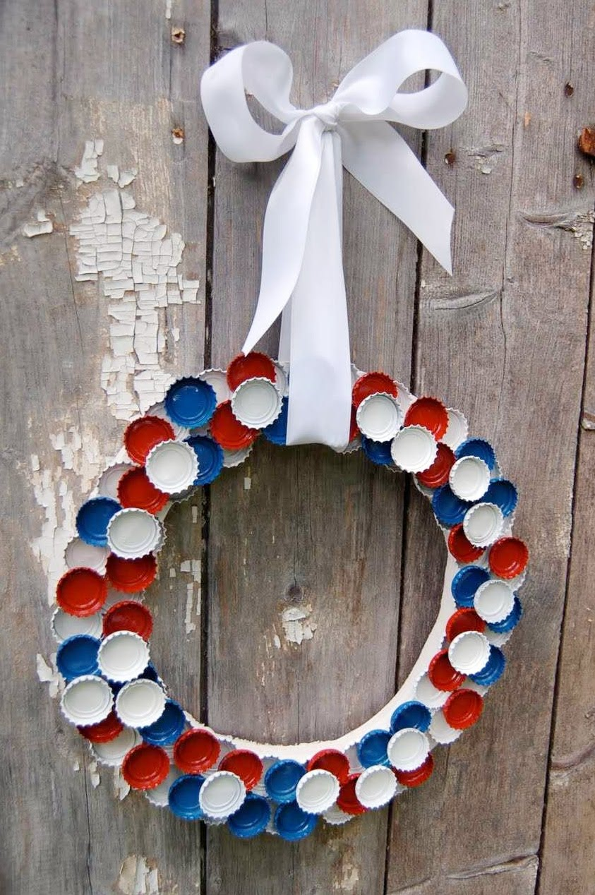 our family attic red white blue 4th of july bottle cap wreath recycle reuse repurpose. Black Bedroom Furniture Sets. Home Design Ideas