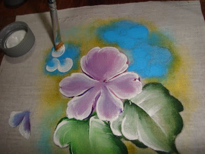 pintura em tecido barrado violetas