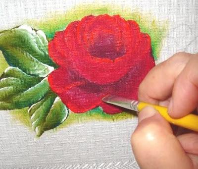 pintura em tecido como fazer rosa vermelha