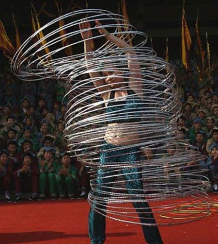 100 Hula Hoops