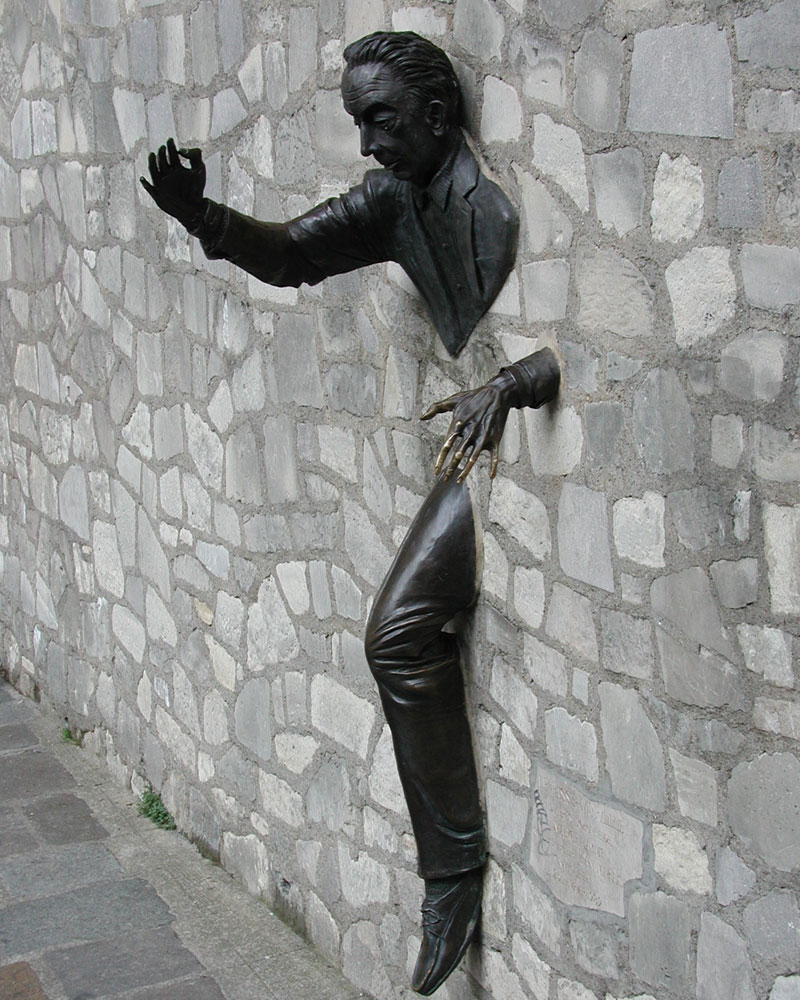 Le Passe-Muraille, Man in Wall