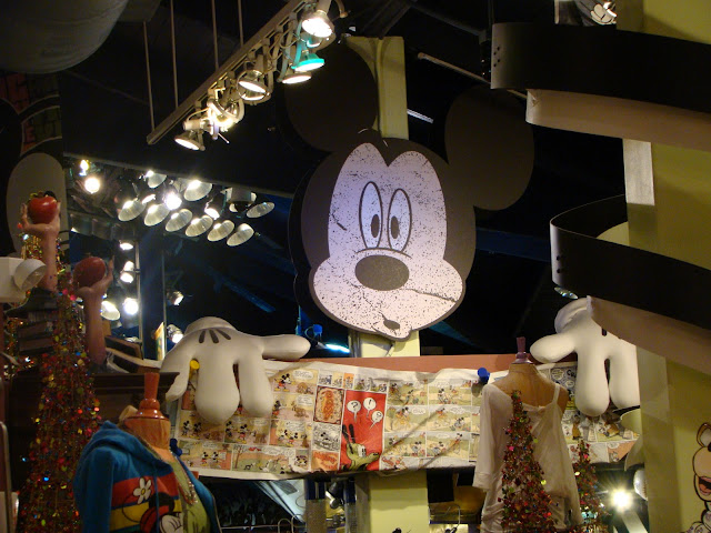 The Walt Disney World Picture Of The Day: Mickey At TrenD