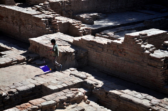 vadnagar narendra modi gujarat buddhist monastery