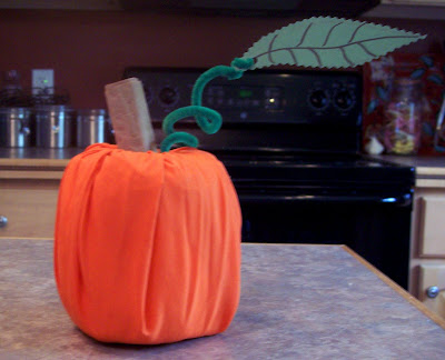 Kids' Craft: Turn a Toilet Paper Roll into a Pumpkin