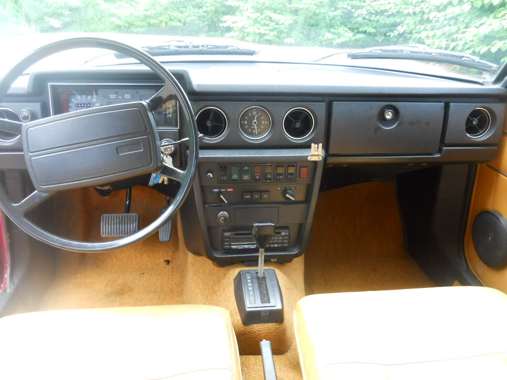 Volvo 240 Manualfor Sale With A Ford V8 Engine Swap 164 Wiring Diagram Just Car Geek 1975 E