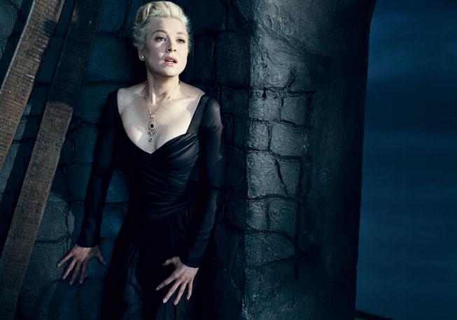 Renée Zellweger recreates a scene from Vertigo. Photograph by Norman Jean Roy.