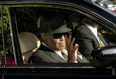 Joe Jackson in son Michael's funeral procession