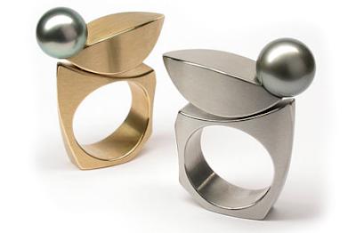 Tahitian pearl kinetic rings