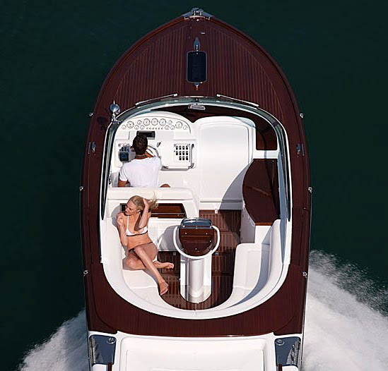 Aquariva By Gucci, A Sexy Luxe Speedboat Starting At  750k - if it s ... 4d5666638f0