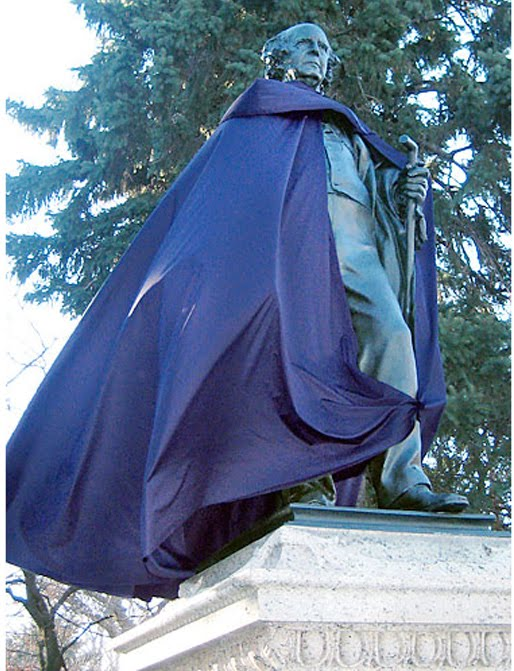 ABC promotes show by putting capes on NY sculptures