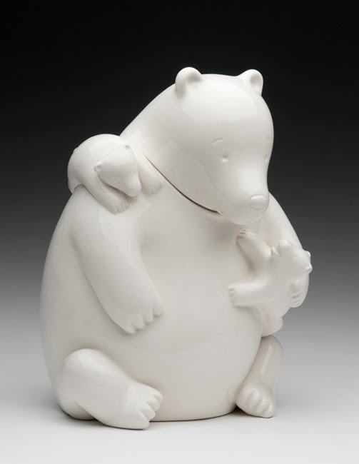Mama bear, Tom Otterness