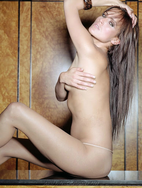 sophie anderton showing off her naked body 3