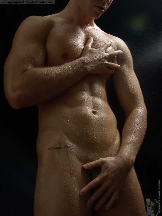 Can pete maneos nude