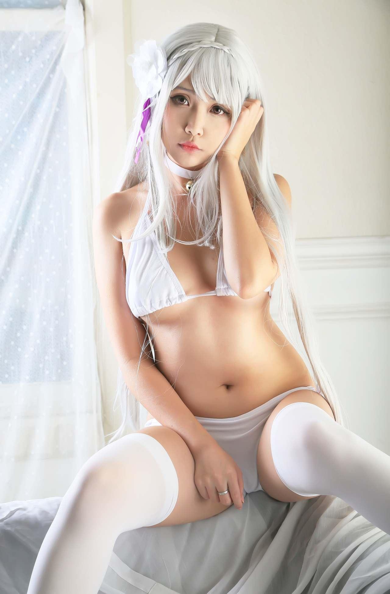 Hana Bunny Emilia Swimsuit Cosplay
