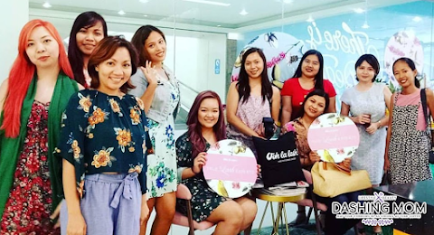 Beauty Hub is now open and Unimart Greenhills : Nailaholics, Hey Sugar and Ooh-La-Lash