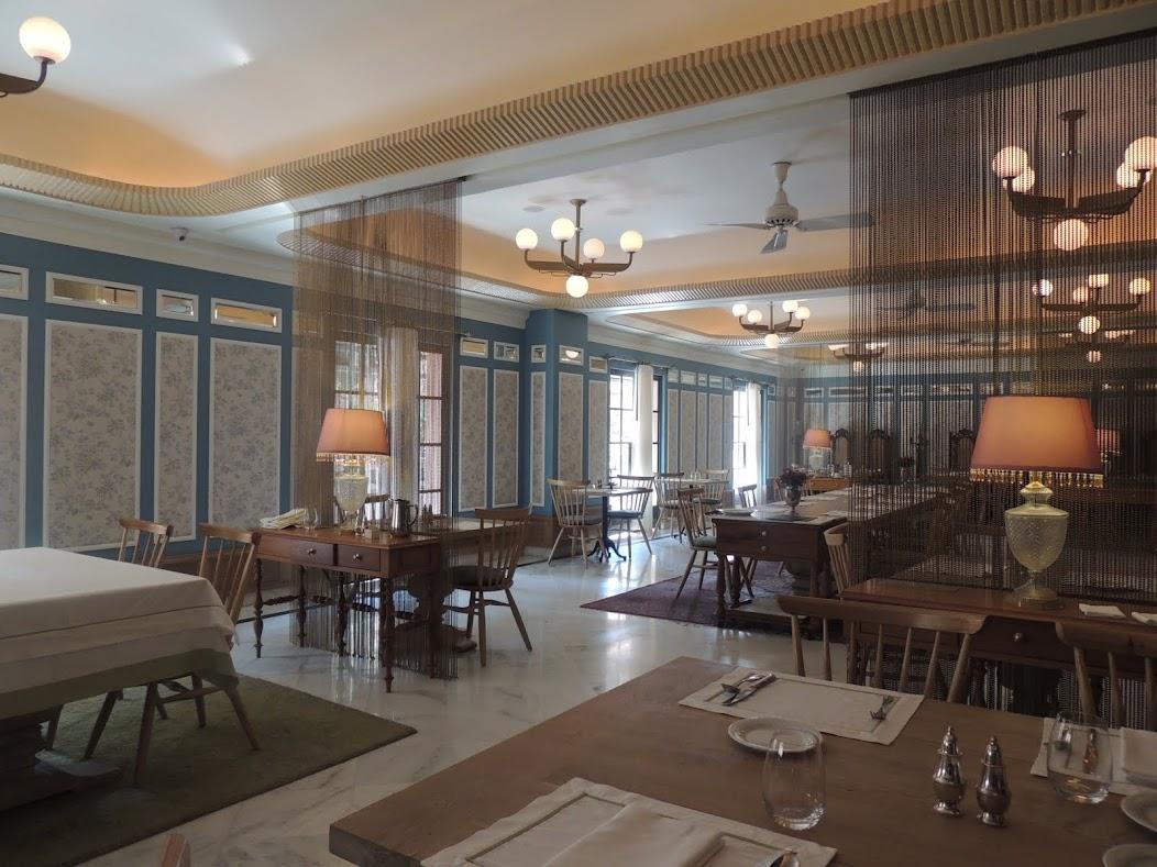 the restaurant at Narendra Bhawan - pearls and chiffon