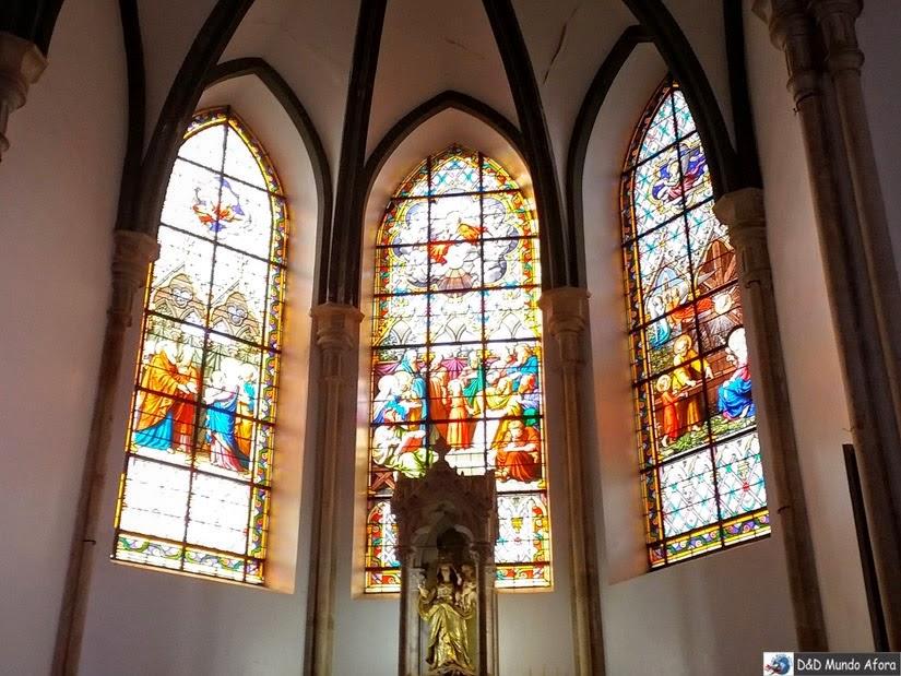 Santuário do Caraça - Vitrais franceses doados por Dom Pedro II, quando esteve no Caraça, em 1881