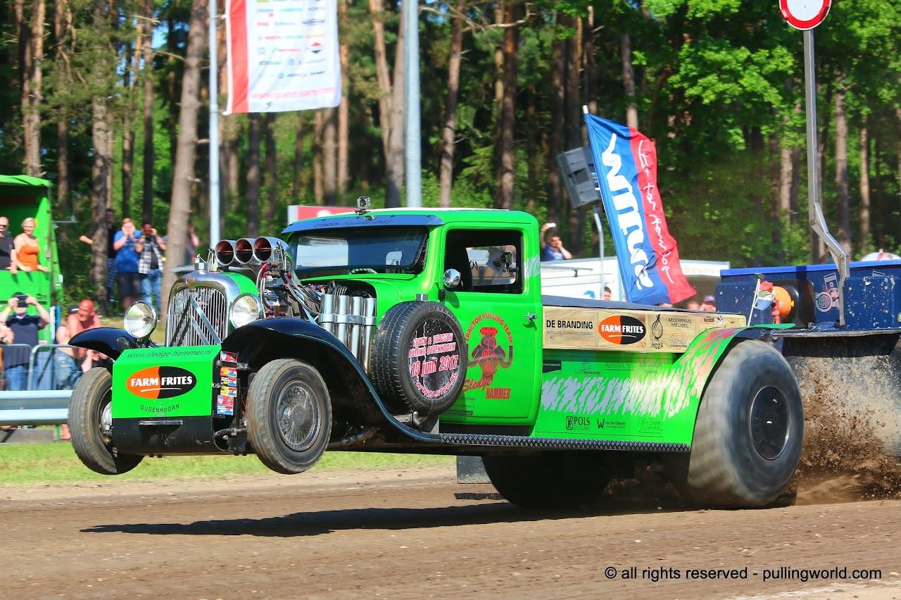 Mini Mod Tractor Pulling : Tractor pulling news pullingworld european