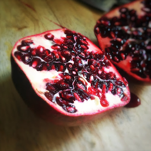Deseed, how to, Pomegranate, get seeds out, easy way, beat, fruit