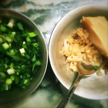 chinese, classic, congee, fish, jook, Mottled spinefoot, Rabbit Fish, recipe, rice porridge, traditional, 果皮, 泥鯭粥, 褐藍子魚, fish congee,