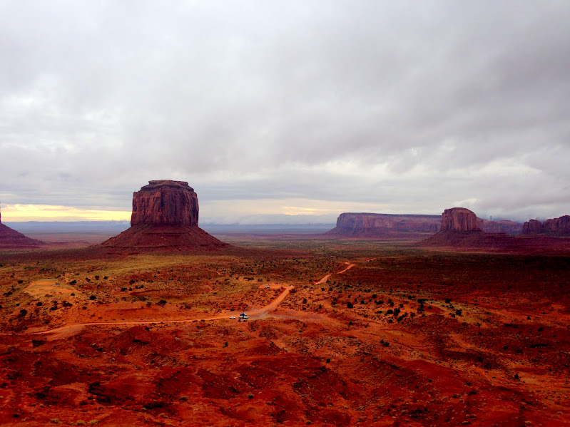 trek america southern sun monument valley